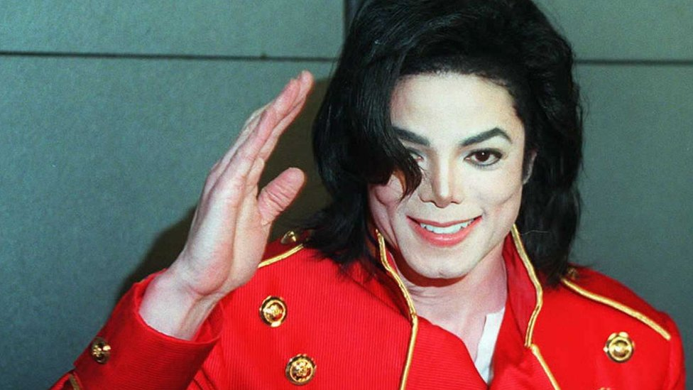 BBC News - French Michael Jackson fans sue Leaving Neverland accusers