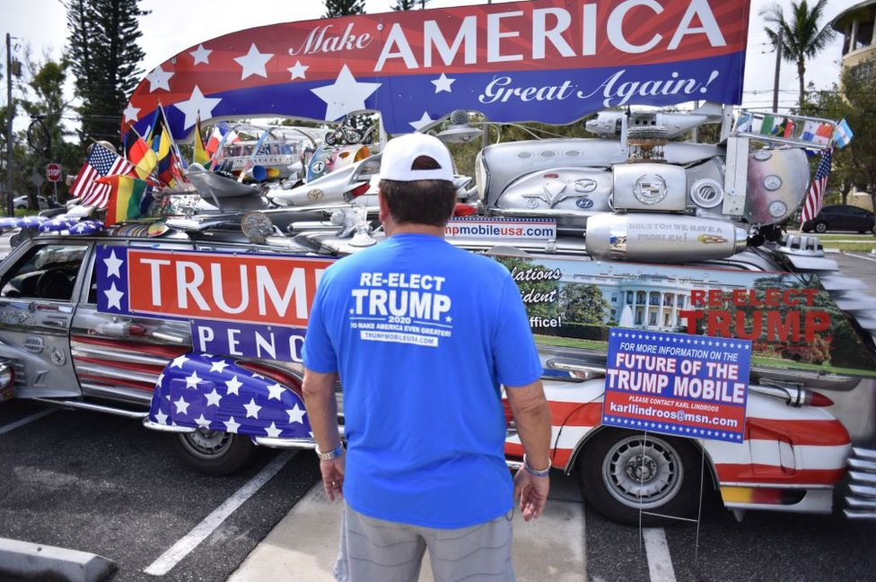 A trump-themed car
