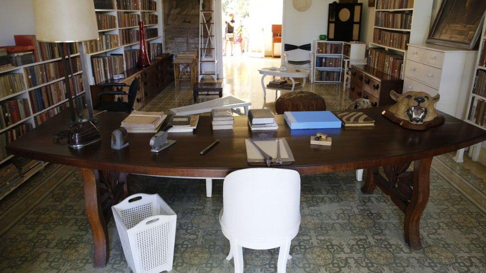 escritorio de Hemingway casa de la Finca Vigía