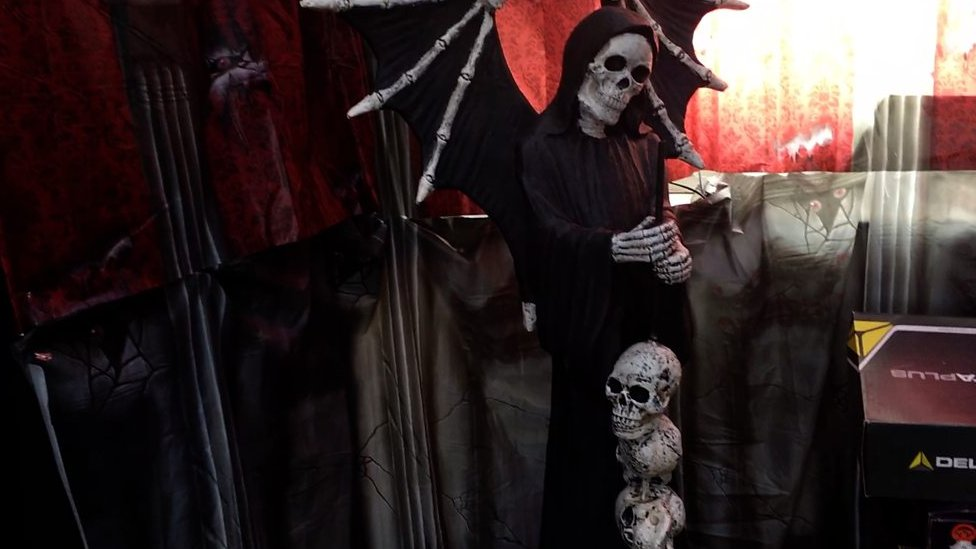 'Halloween House' in Snodland raises cash for Cancer Research