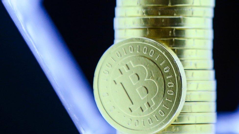 Биткоин побил абсолютный рекорд. Почему вновь растет стоимость криптовалюты