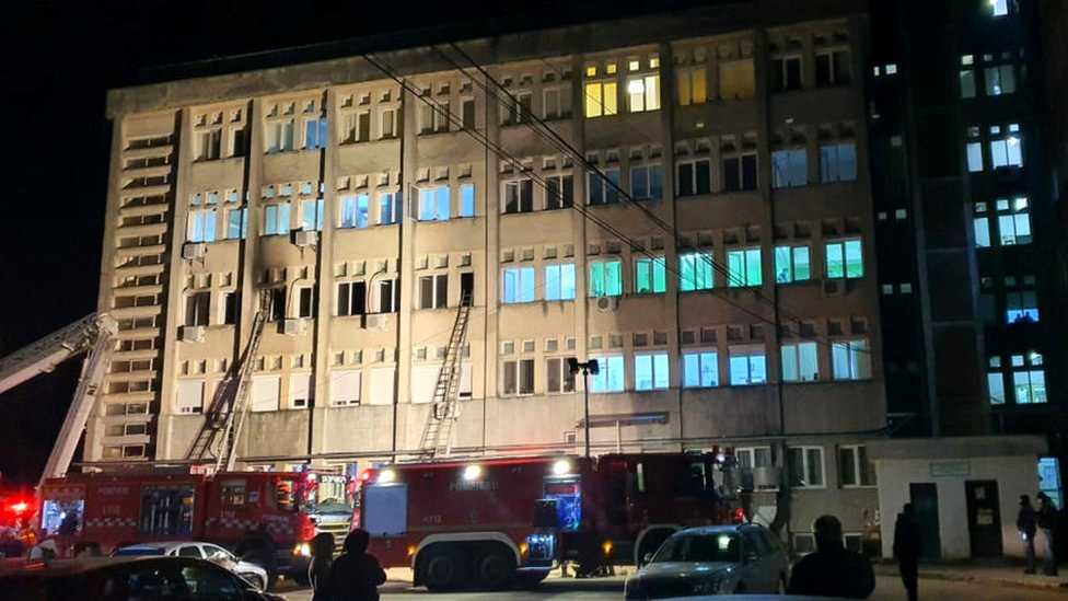 The emergency services at the scene of a hospital fire where the intensive care unit was burned in Piatra Neamt, Romania, 14 November 2020