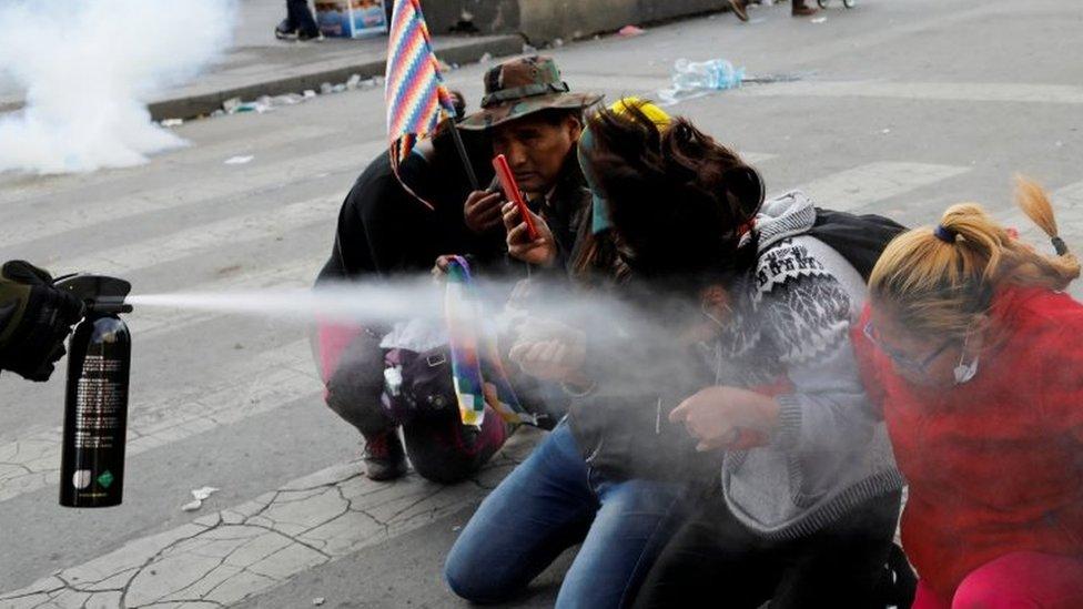 Simpatizantes de Evo Morales son gaseados