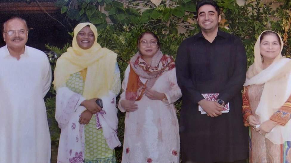 Tanzeela Qambrani pictured with Bilawal Bhutto Zardari and other PPP leaders