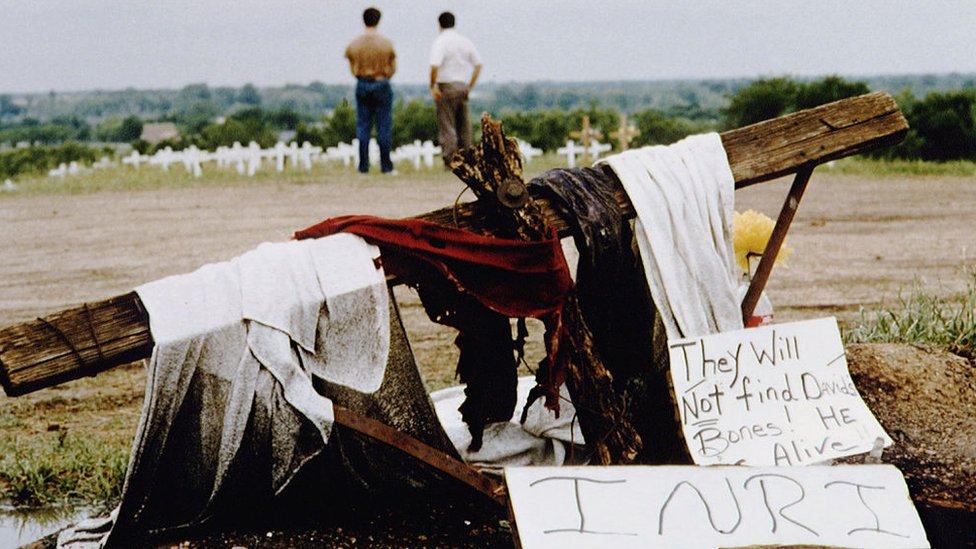 The Branch Davidians, una secta cristiana dirigida por David Koresh, vivía en el rancho Mount Carmel Center en Texas
