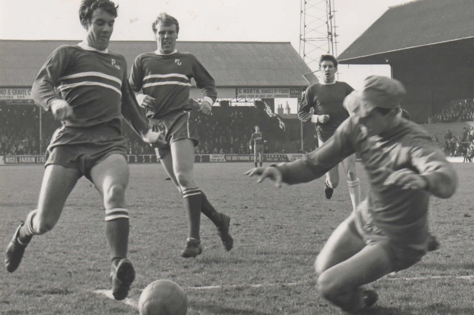 Tommy Ross playing for Peterborough United in 1966