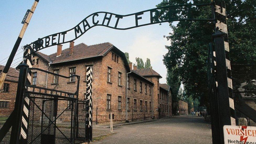 Entrada del campo de exterminio de Auschwitz.