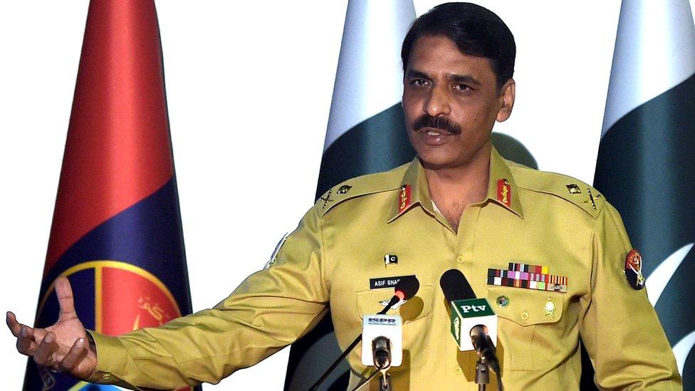 #Nowshera: पाकिस्तान की सेना ने कहा, 'हमने अपने बचाव में भारत पर हमला किया है'