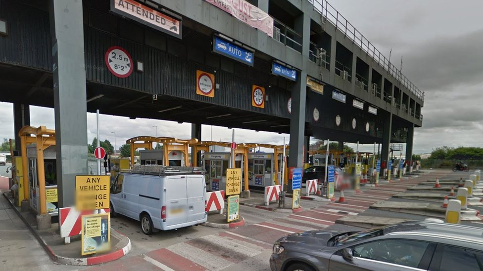 Mersey Tunnels: Mayor proposes rush-hour toll reduction