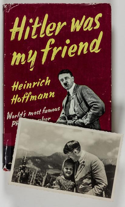 """Portada del libro """"Hitler fue mi amigo"""", del fotógrafo Heinrich Hoffmann."""