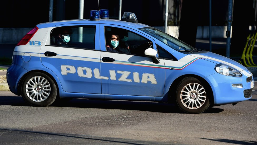 Italian police bust migrant smuggling ring, arrest 19