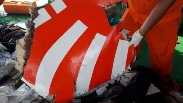 Restos del avión NO USAR /BBC
