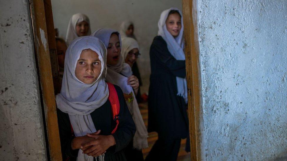 Niñas en una escuela segregada por género en Kabul, el 15 de septiembre de 2021.
