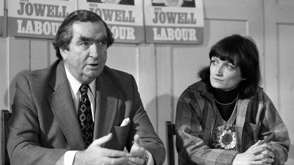 Tessa Jowell at a press conference in 1978 with Denis Healey, chancellor of the exchequer