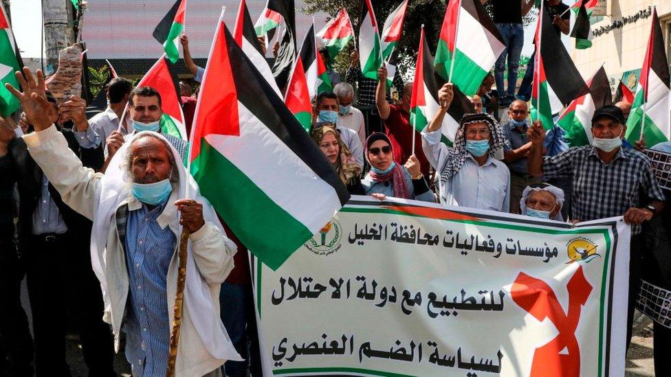جانب من احتجاجات الفلسطينيين ضد التطبيع في الخليل