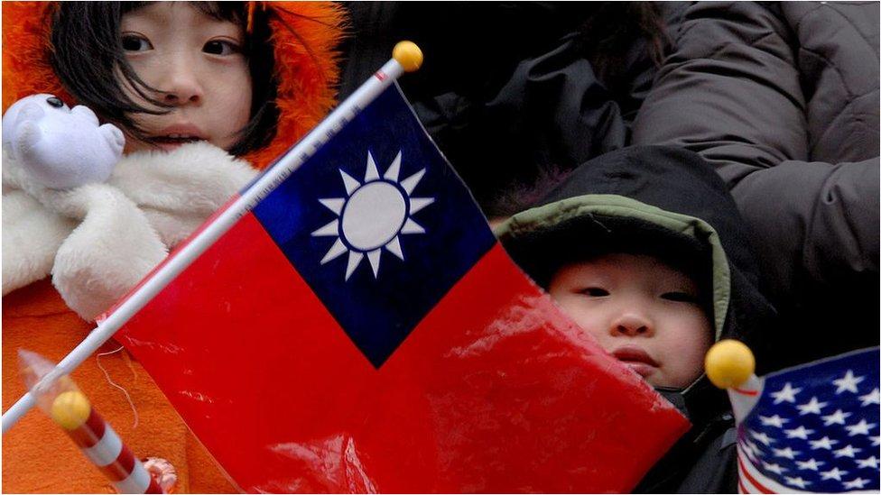 美國智庫一項報告顯示,絶大對數台灣公眾對中國大陸持負面看法,而對美國印象則傾向於積極。
