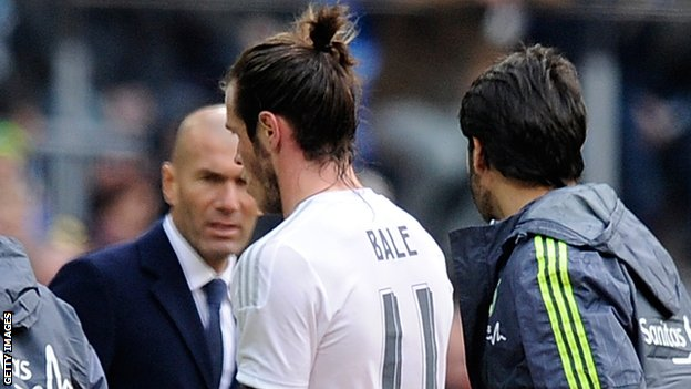 Gareth Bale leaves the field injured during Real Madrid's win against Sporting Gijon in January 2016