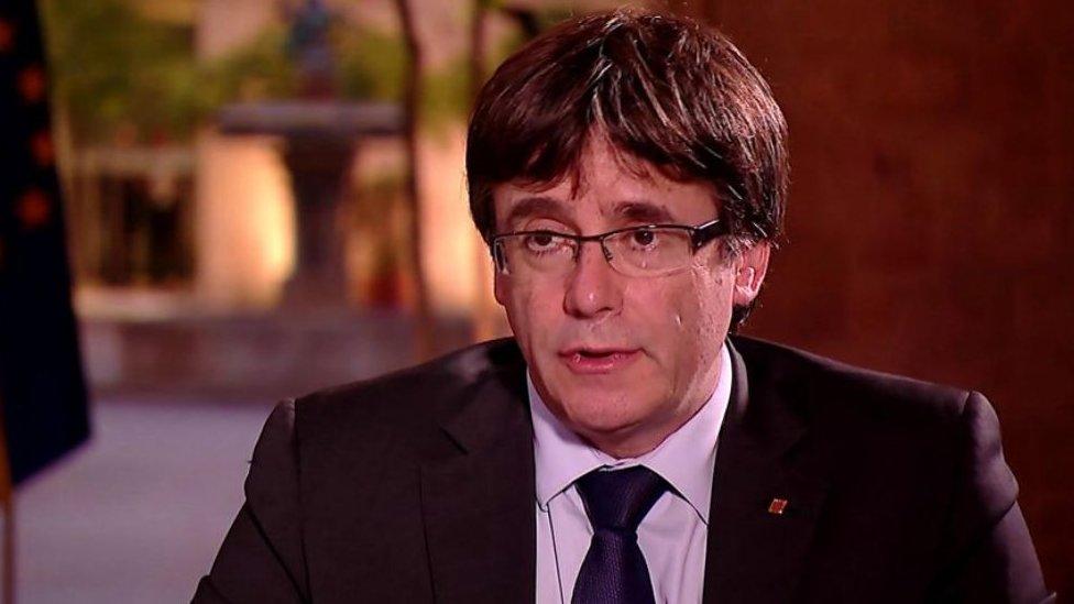 Puigdemont 2017'deki yasaklı bağımsızlık referandumundan sonra İspanya'dan kaçmıştı