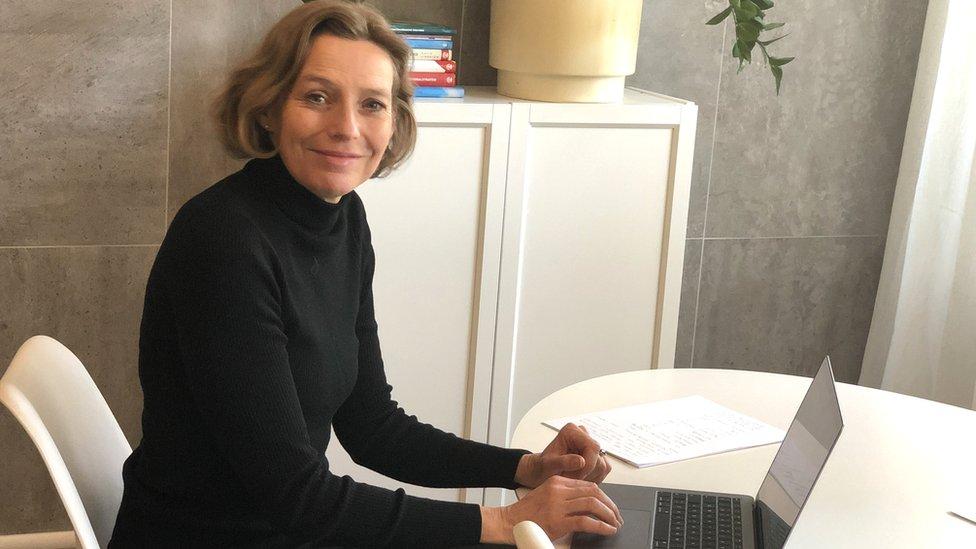 Dr Malin Lindelöw