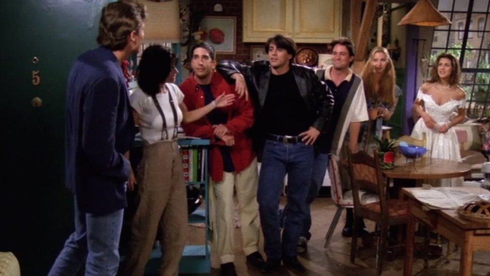 Escena del primer capítulo de Friends