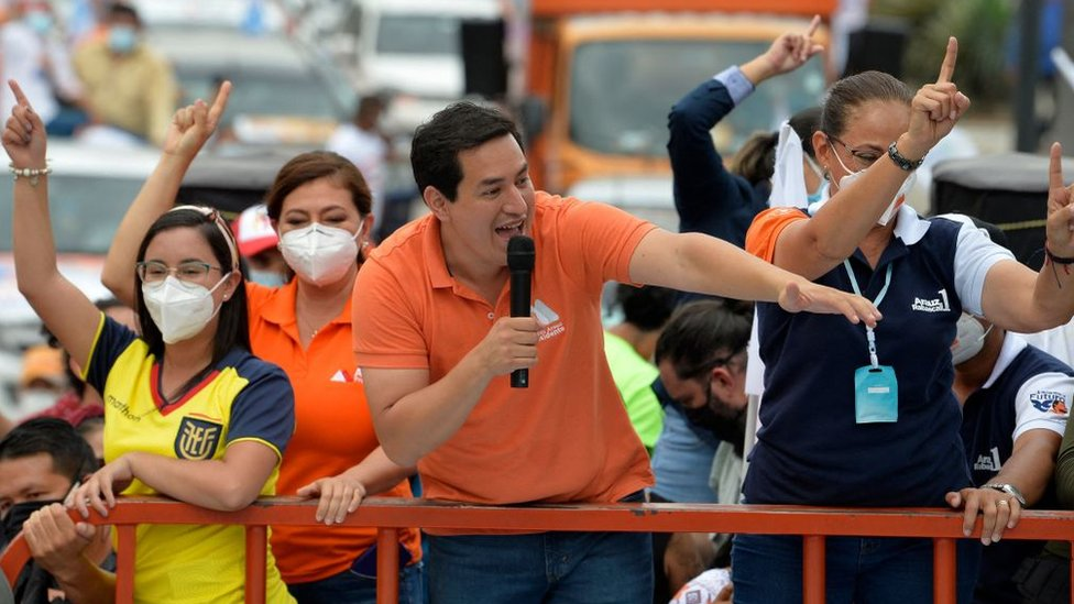 Andrés Arauz ha propuesto reactivar el gasto social y romper con la austeridad que respalda el FMI.