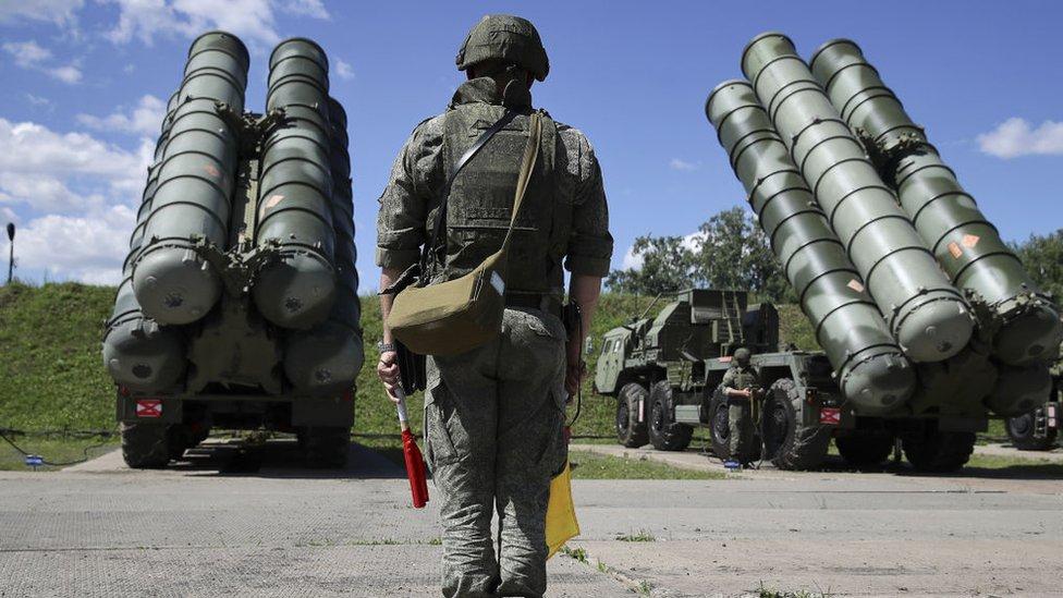 S-400 savunma sistemleri, Türkiye-ABD ilişkilerinin önemli bir gerilim başlığı.