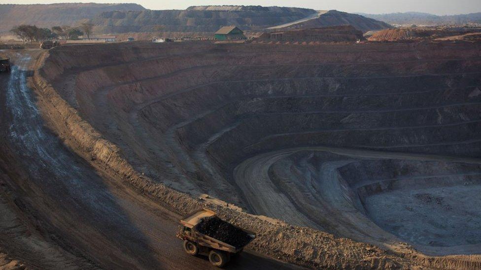 Una nueva mina a cielo abierto en Lowezi, República Democrática del Congo, donde son extraídos cobalto y cobre.