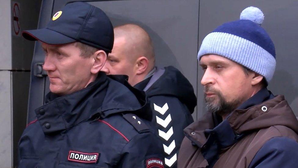 По делу об угрозах московскому судье в интернете задержали трех человек