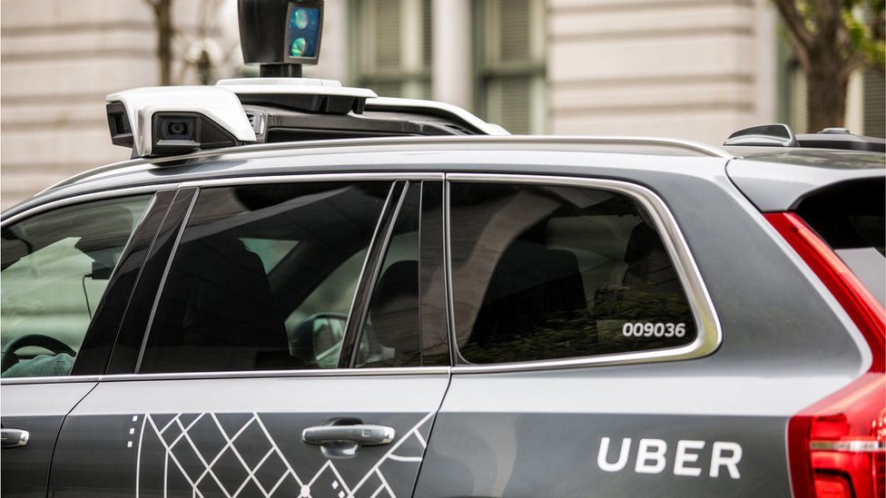 Uber accused of 'hiring ex-CIA agents to spy on rivals'