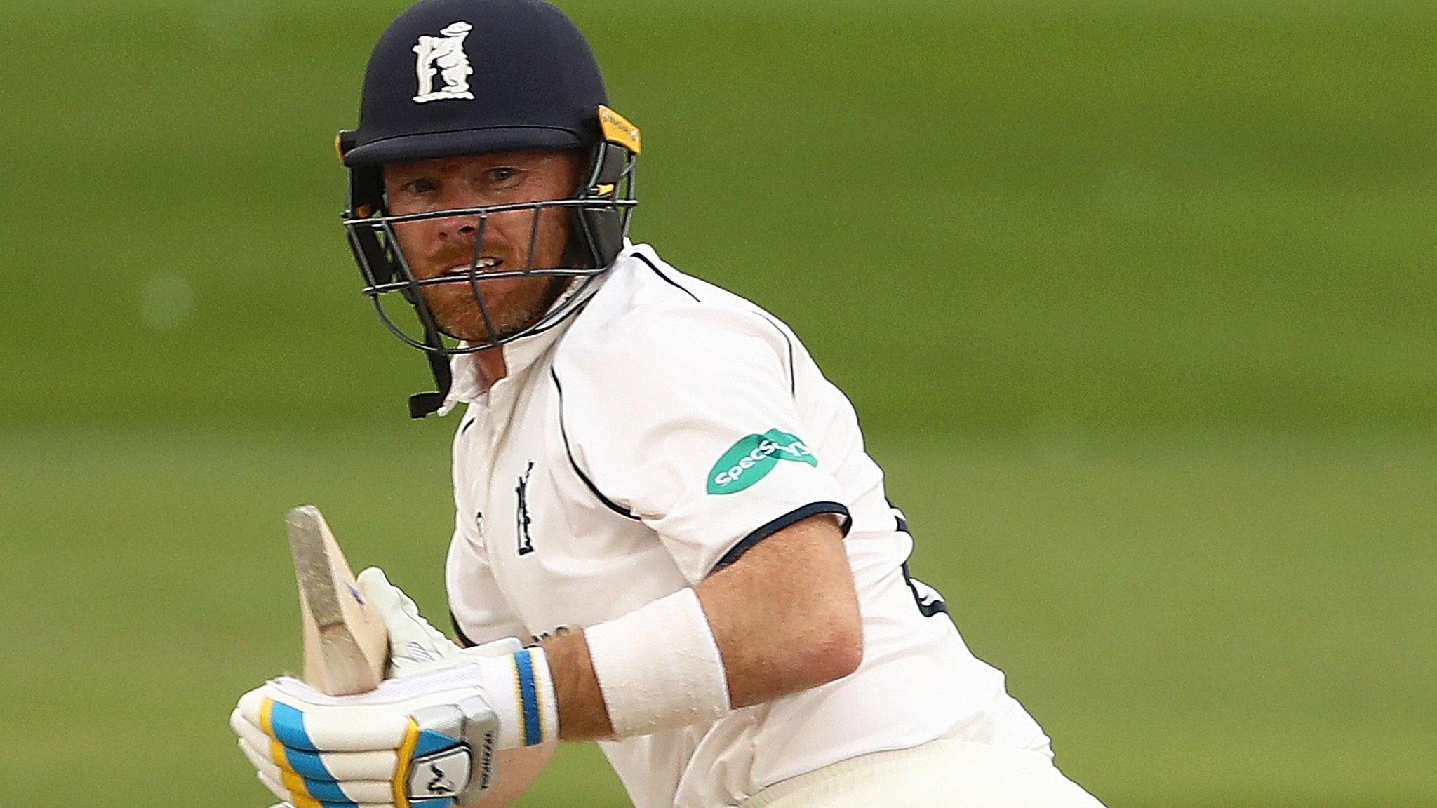 County Championship: Ian Bell puts Warwickshire in control at Sussex