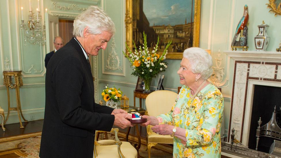 El empresario James Dyson posee más tierras en el Reino Unido que la reina Isabel II.