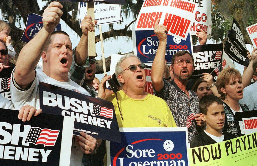 Simpatizantes de Bush en Florida protestan