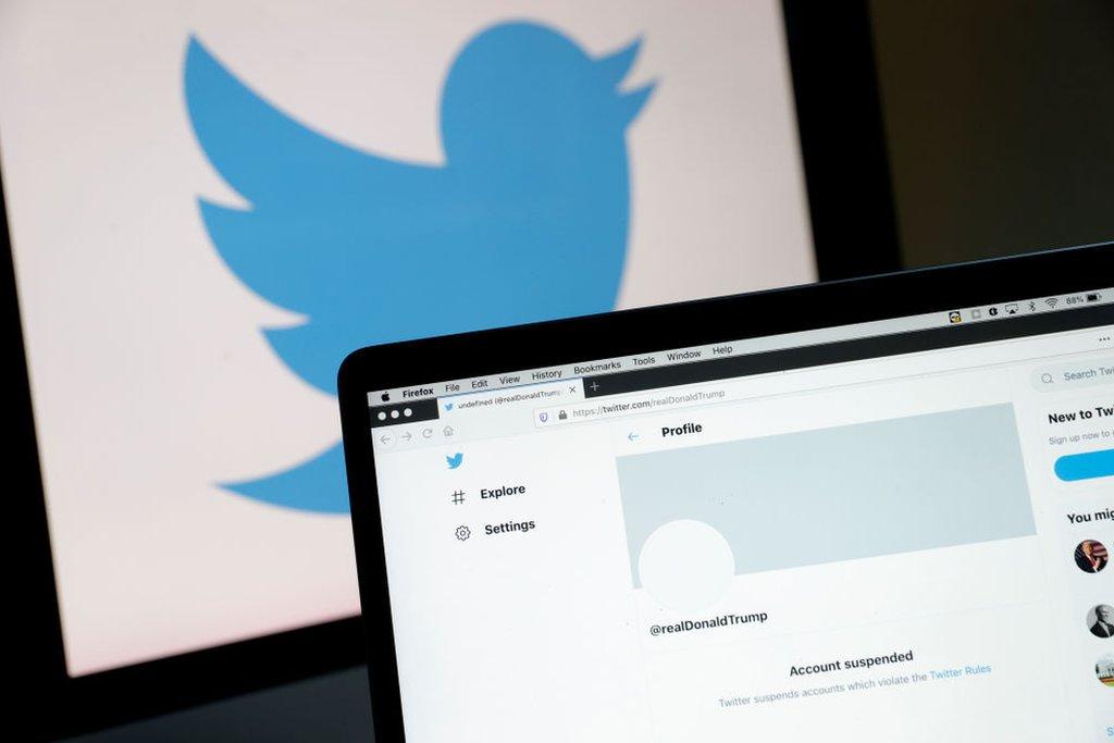 La cuenta de Twitter de Trump bloqueada