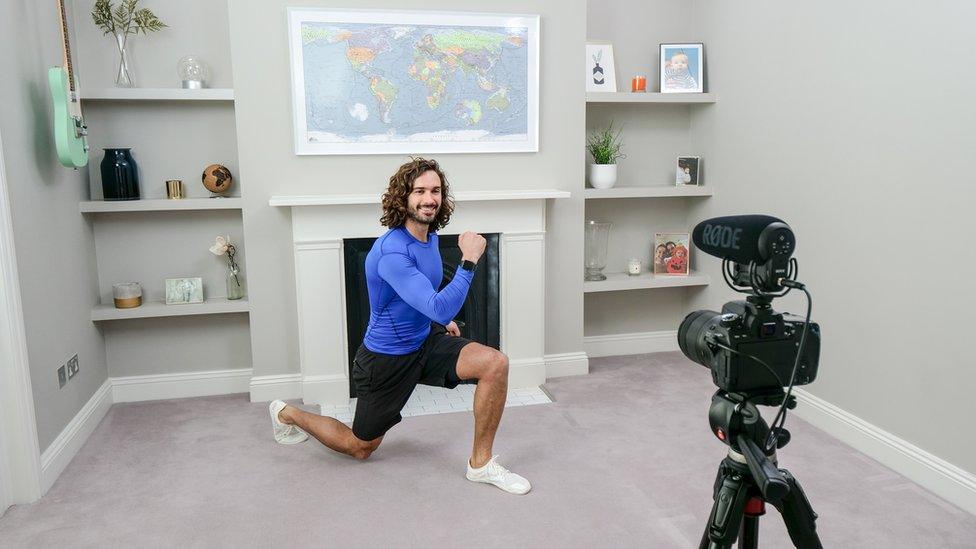 Joe Wicks exercising at home