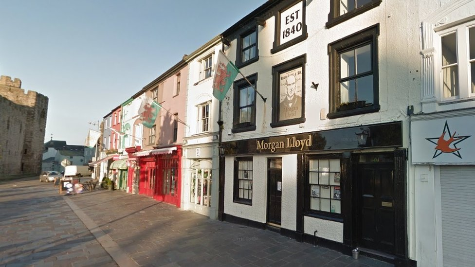 Morgan Lloyd pub