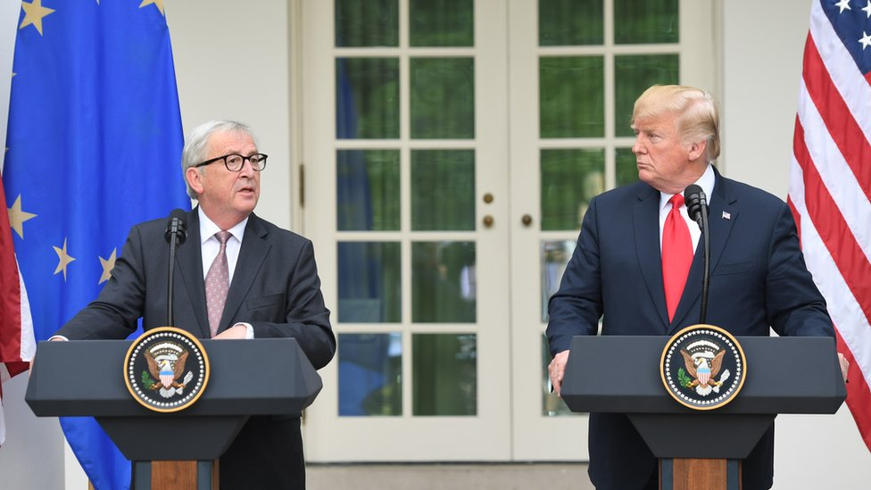 Žan Klod Junker i Donald Tramp