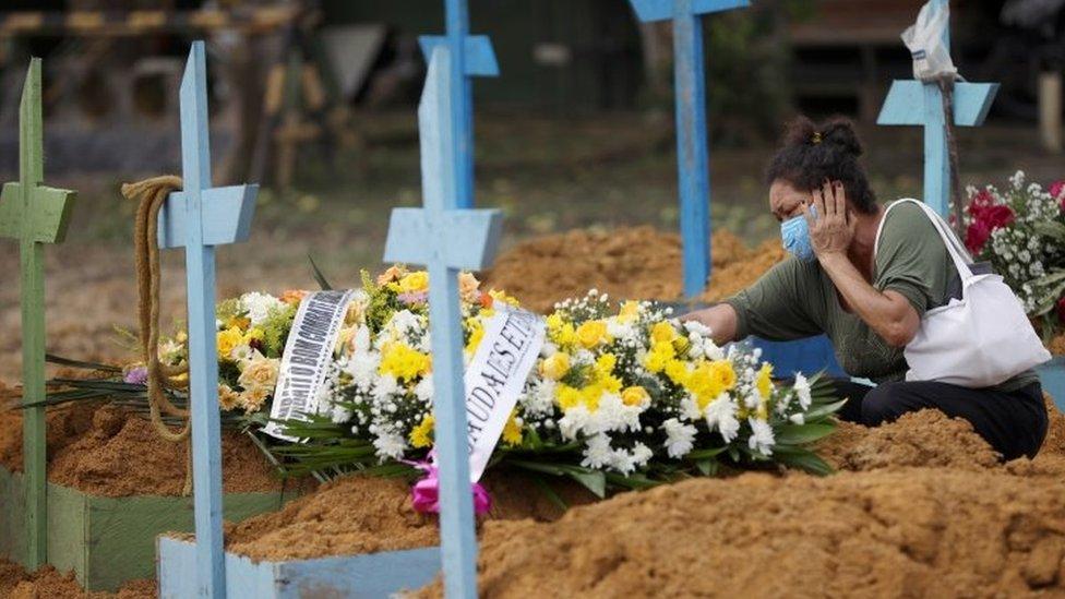 Cemitério em Manaus, em foto de janeiro