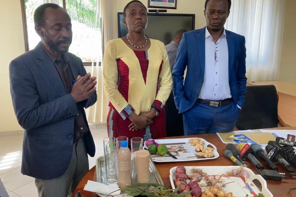 funcionarios de Tanzania