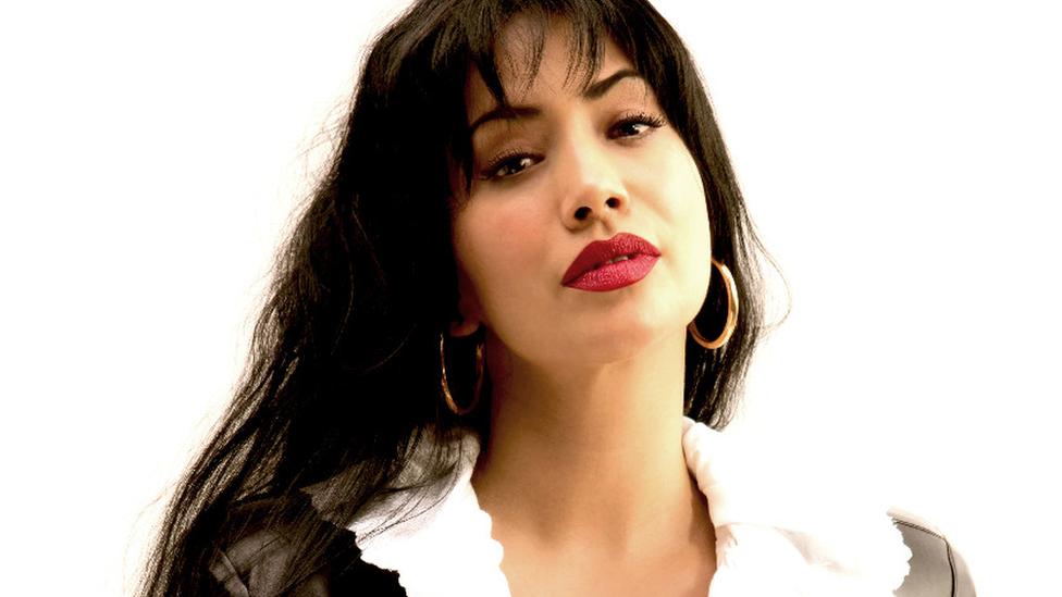 La actriz mexicana Maya Zapata en el papel de Selena Quintanilla.