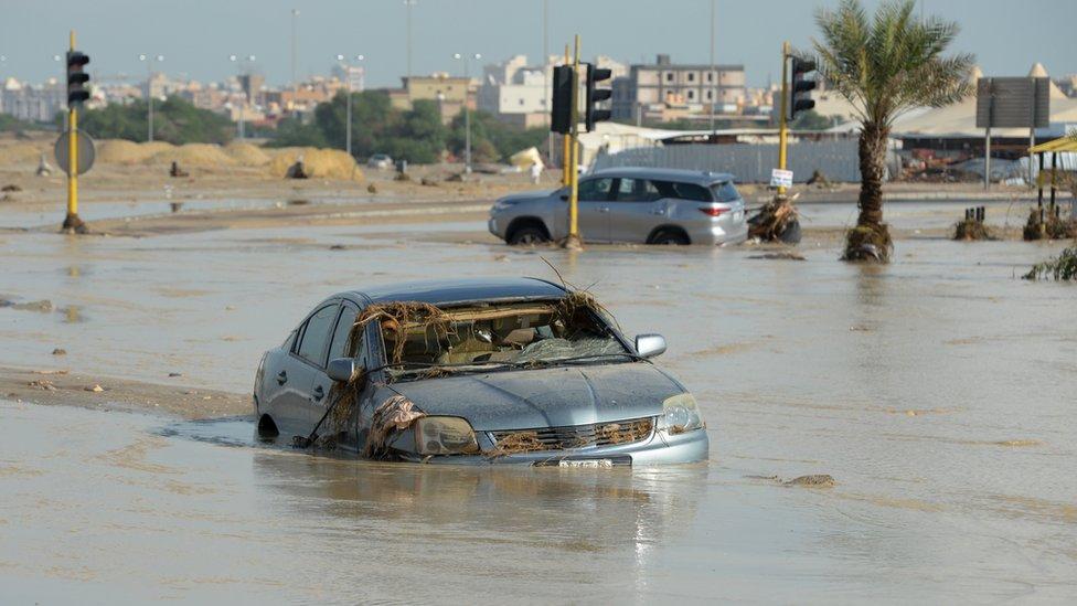 أمطار غزيرة في الكويت