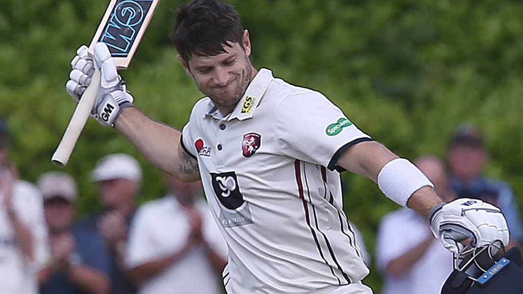 County Championship: Sean Dickson and Joe Denly put Kent in control against Warwickshire