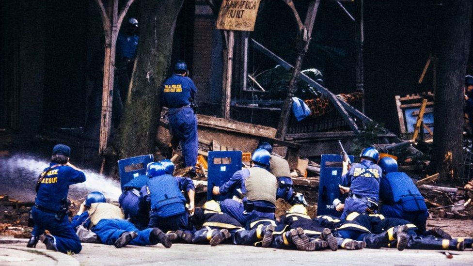 Asedio policial contra activistas de MOVE en Filadelfia en 1985,