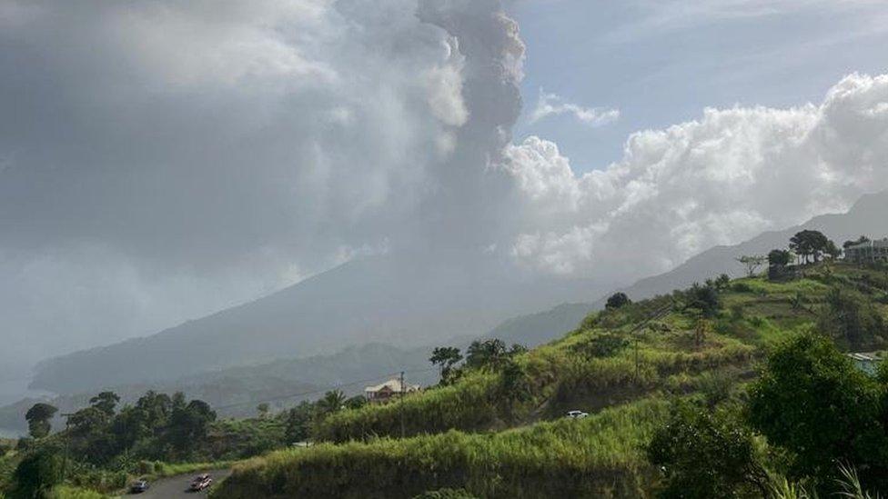 El volcán Soufriere en actividad