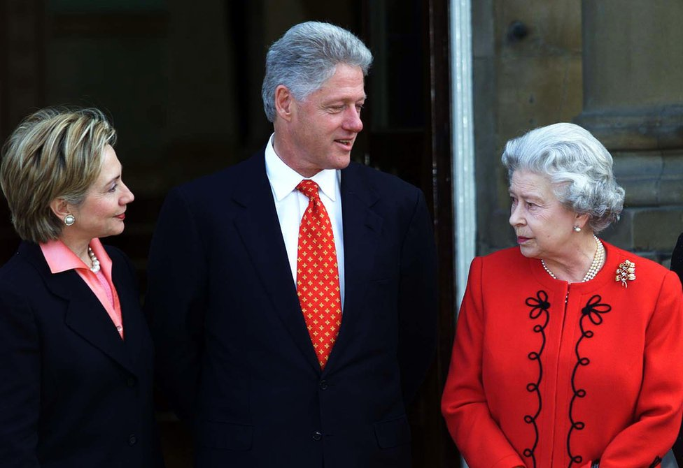 US President Bill Clinton and his wife Hillary meet Britain's Queen Elizabeth II at Buckingham Palace, in London.