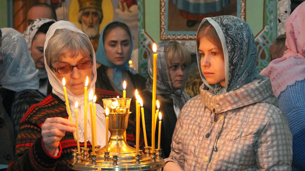 Ukrainian worshippers in Makiivka, Donetsk region, 8 Apr 18