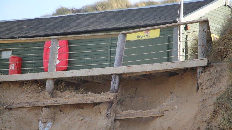 Crantock lifeguard hut