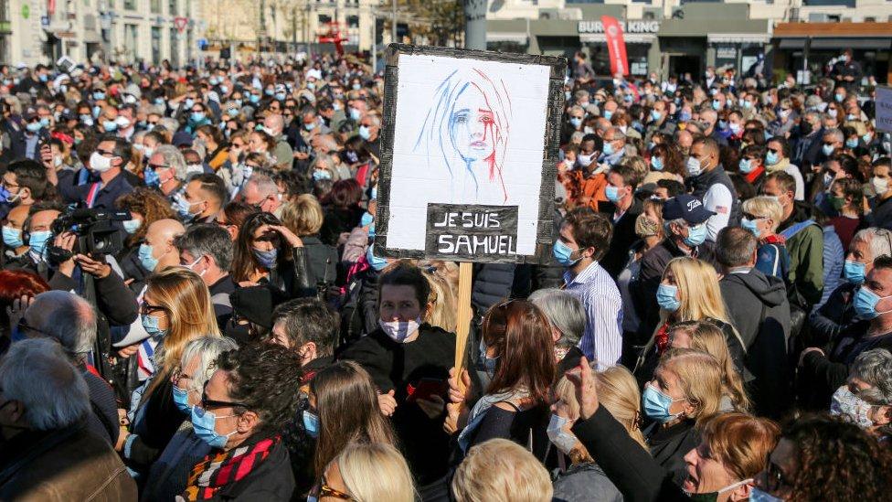 Manifestaciones en Francia tras la decapitación de Samuel Paty