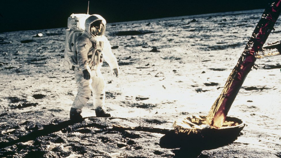 Astronaut Buzz Aldrin di Bulan pada tahun 1969.