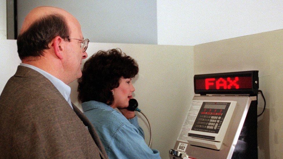 Máquina de fax en Denver, Estados Unidos.