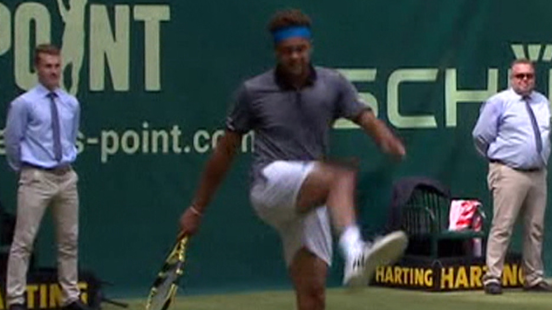 Halle Open: Jo Wilfried Tsonga and Benoit Paire play foot-tennis during match